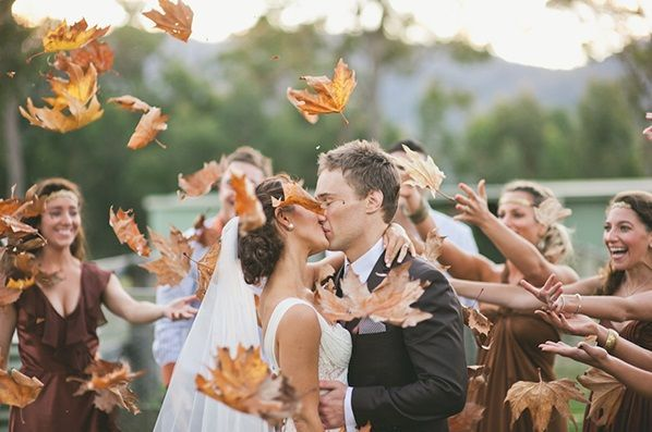 great wedding photo for a fall wedding